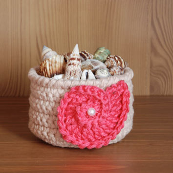 Crochet basket, beach house decor, seashell basket, air plant holder, tropical decorations, nautilus shell, gift basket, beige and coral