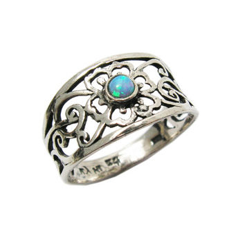 Opal sterling silver ring. floral ring. Silver unique ring. Opal ring. birthday gift, romantic ring, floral ring