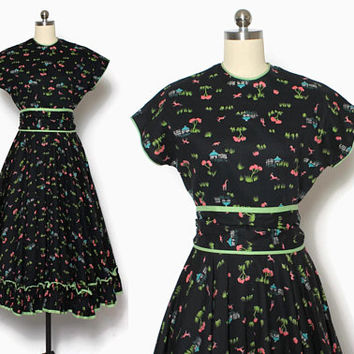 Vintage 40s Novelty Print DRESS / 1940s African Animals Print Cotton Day Dress with Matching Belt