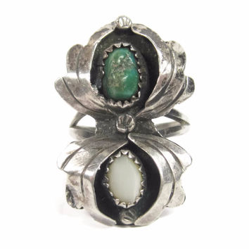 Vintage Navajo Turquoise Mother of Pearl Spider Ring Sterling Size 5.5