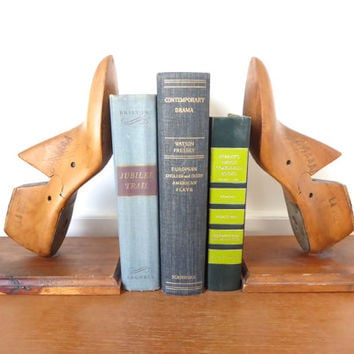 Wooden shoe form bookends made from 1950s shoe forms