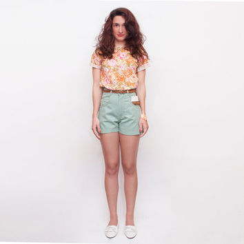 Dead stock Vintage Denim Shorts pastel green high waist Size w28