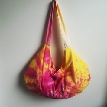 Cotton hobo bag  Bright strawberry lemonade hobo bag  by ACAmour