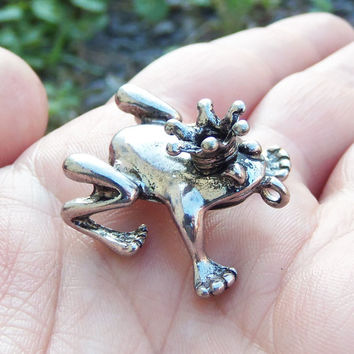 2 Frog Prince Charms in silver tone 3D charm princess and the frog ~ F278