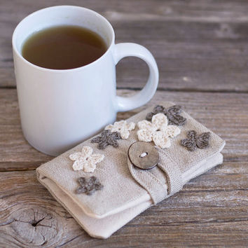 Linen and Cotton Tea Wallet with Crochet Flowers in Natural Grey and White, Tea Holder, Gift for Tea Lover