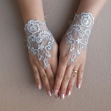 ivory wedding glove, ivory, embroidered with silver thread lace gloves, Fingerless Gloves, bridal gloves, Free Ship