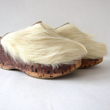 Vintage pony hair clogs. Italian platform white fur mules. Minimalist CORK modern slip on wedges. Horse hair sandals shoes.