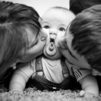 baby, cute, family, kid, kiss - inspiring picture on Favim.com