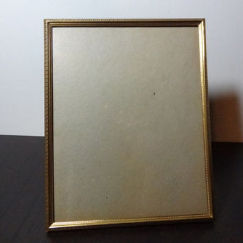 Vintage 8 x 10 Art Deco/Hollywood Regency Brass or Gold Tone Picture Frame with a Chain Link Floral Border