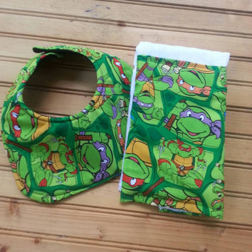Ninja turtles bib and burp cloth set