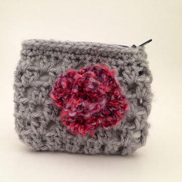 Gray Crochet Pouch with Pink Flower   Coin Purse by Parachet