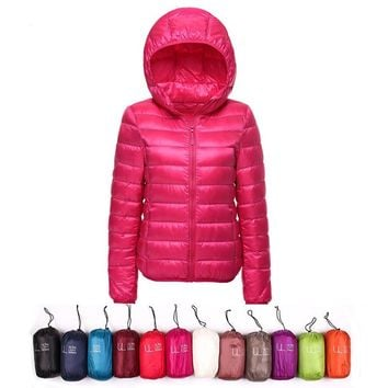 AKITSUMA Winter Jacket Women Ultra Light Down Jacket Women Hooded Coat 90% Duck Down Jacket Packable Thin Feather Short Parka
