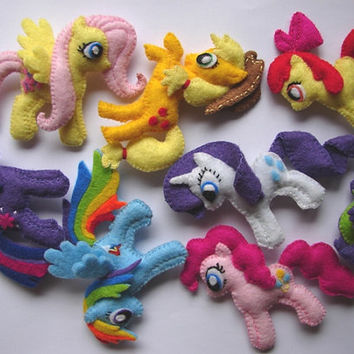 My little pony MLP felt brooch Rainbow Dash, Pinkie Pie, Twilight Sparkle, Fluttershy, Rarity, Applejack, Apple Bloom, Spike
