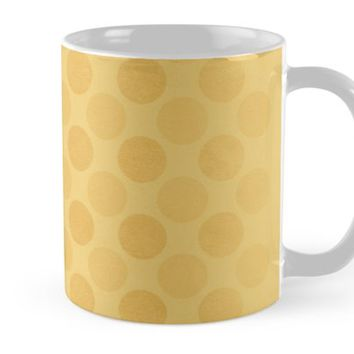 'Faded yellow circles pattern ' Mug by steveball