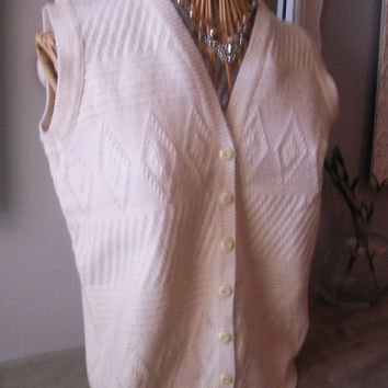 vintage cable knit Ivory SWEATER VEST .... size M medium ... 1980s ... women's Hipster Indie