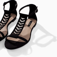 FLAT LATTICE SANDAL