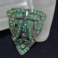 Art Deco Green Rhinestone Dress Clip Emerald Green Glass Brooch Pin Etched Hook Clasp Antiqued Silver Tone Setting Vintage Jewelry 518