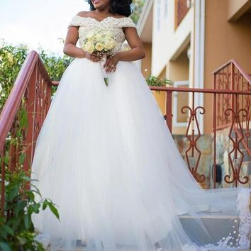 Luxury Pearls Custom Beaded Wedding Dress Sweetheart Off Shoulder Straps African Bridal Wedding Gowns Puffy Tulle Appliques