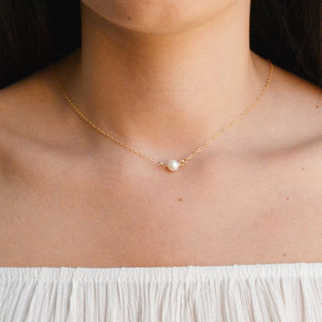 pearl necklace,single pearl necklace,wedding necklace,bridesmaid necklace,white pearl necklace,gold pearl necklace,pearl jewelry