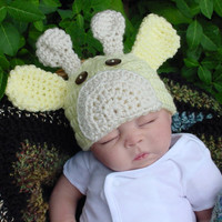 Newborn to 3 Months Yellow Giraffe Baby Hat by CrochetbyCarla