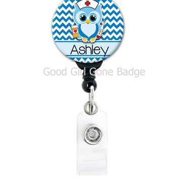 Retractable ID Badge Holder - Personalized Name Owl Nurse - Choice of Colors - Cute Badge Reel