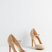 Vintage Inspired Shoe Had Me At Hello Heel in Beige
