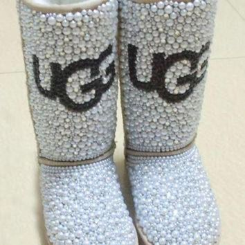CHEN1ER Uggs classic tall ladies boot fully blinged in pearls & crystals