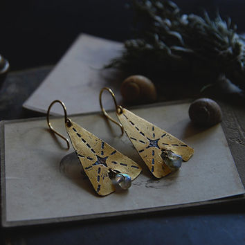 stella polaris • north star earrings - labradorite earrings - etched jewelry - etched brass earrings - witch jewelry - celestial earrings
