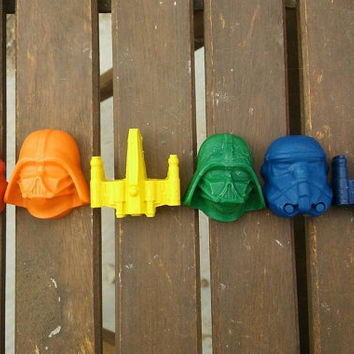 Star Wars Crayon PARTY FAVORS 10 Sets // Crayon Goodie Bag // Stocking Stuffer Men // Star Wars Party // Upcycled Crayon Gift