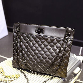 Women Classical Chic Bag On Sale = 4457507844