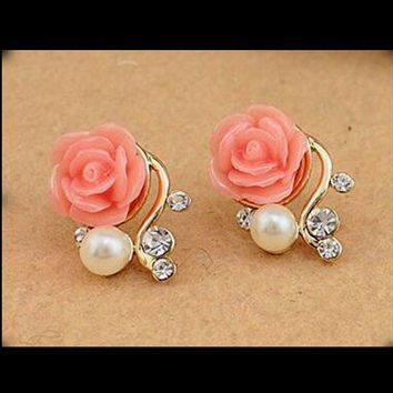 ***Free***Pearl & Rose Fashion Earrings