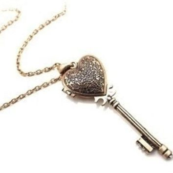 Vintage Heart Shaped Key Necklace Can Open = 1946536516