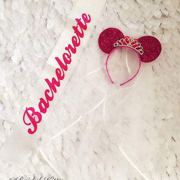Disney Wedding Veil Bachelorette Party Minnie Mouse Tiara Headband Veil, Disney Bridal Shower Veil, Disneyland Minnie Mouse Ears Headband