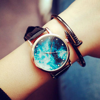 Comfortable Vintage Fashion Quartz Classic Watch Round Ladies Women Men wrist watch + Gift Box