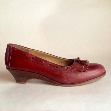 Vintage shoes | Burgundy wedge heel oxfords | US 8