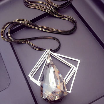 Vintage Crystal Necklace + Gift Box Jewelry-50