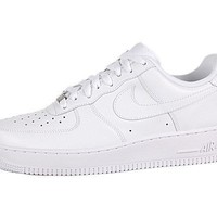 Nike Men's NIKE AIR FORCE 1 '07 BASKETBALL SHOES