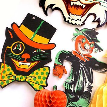 20 Pc VINTAGE Lot 1960 - 80s Halloween Decor Beistle Co. Hallmark Ambassador Fun Fall Holiday Wall Window  Embossed Die Cut Greeting Cards