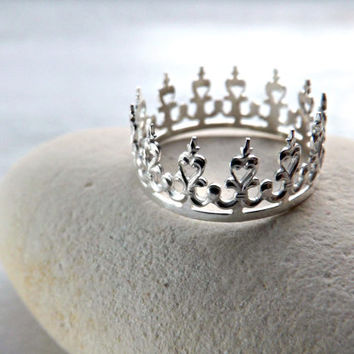 Filigree Crown ring - Lace silver ring - Filigree ring - Silver crown ring - Princess ring - Tiara stacking ring - Crown stacking ring