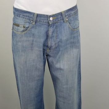 Calvin Klein Jeans Mens Pants MG18A89O Straight Leg Light Wash Size 33 x 32