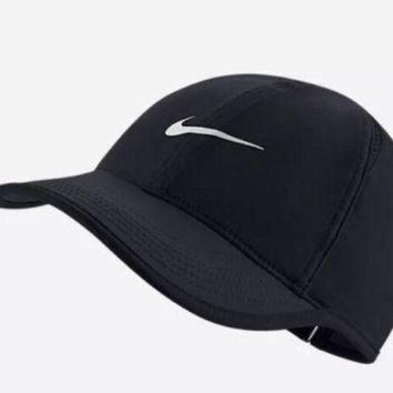 LMFONG6 Nike Aerobill Featherlight Dri-Fit Black/White Unisex Tennis Cap Hat 679421-010