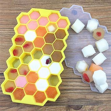 New Ice Cube Tray Molds 37 Cups FDA Grade Silicone Jelly Mould with Lid Cover Chocolate Mold Kitchen Tools
