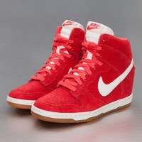 Nike Dunk Sky High Sneakers Fusion Red/Sail von Def-Shop.com
