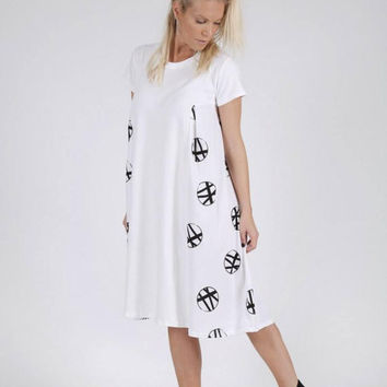 White Printed Dress - Girls Oversized Dress - Young Girl Dress - Toddler Dress - Oversized Dress -Girls Boho Dress -Girls Circle Dress
