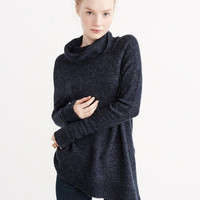 ASYMMETRICAL TURTLENECK SWEATER