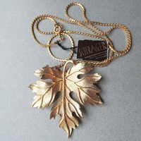 New With Tag SCHRAGER Vintage 1970's Big Gold Tone LEAF Necklace
