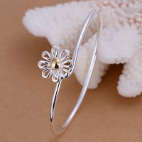 Summer Day Daisy Bangle