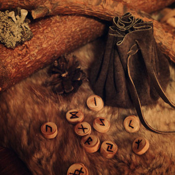 Custom Pine Wood Rune Set • Viking Rune Set with Leather Pouch • Norse Runes Divination • 24 runes