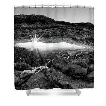 Supernatural West - Mesa Arch Sunburst In Black And White - Shower Curtain