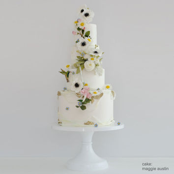 White Wedding Cake Stand